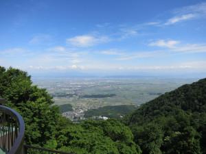 弥彦山から新潟平野を一望