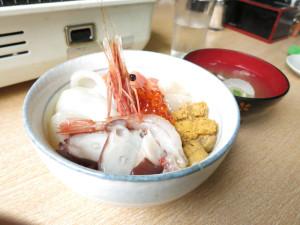海鮮丼1200円