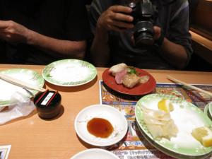 いちいち写真を撮るカメラ男子ww