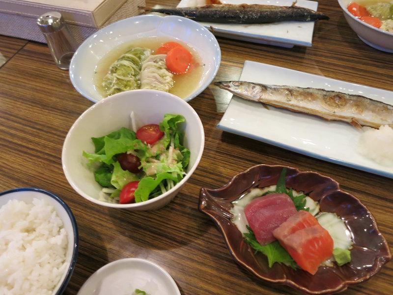 川島の夕食はサンマとロールキャベツ