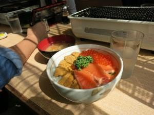 うに・いくら・サーモン丼1600円
