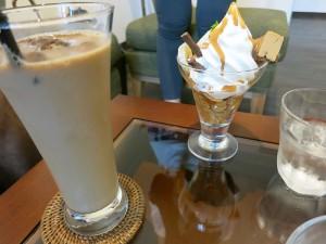 アイスコーヒーとパフェ