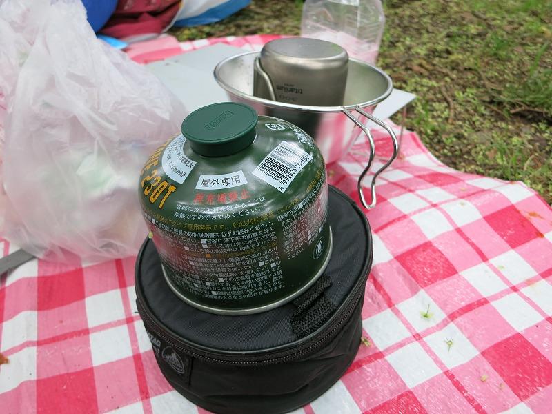 ガスストーブでお湯を沸かします!