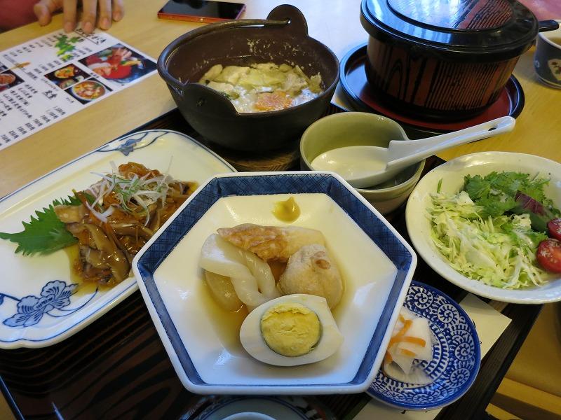 夕飯は竜田揚げとおでんとなべ。