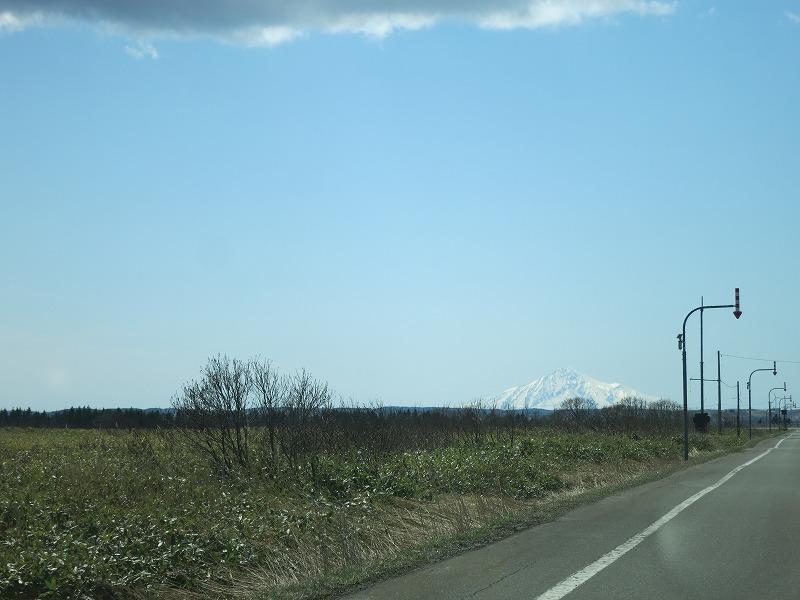 雪化粧の利尻富士