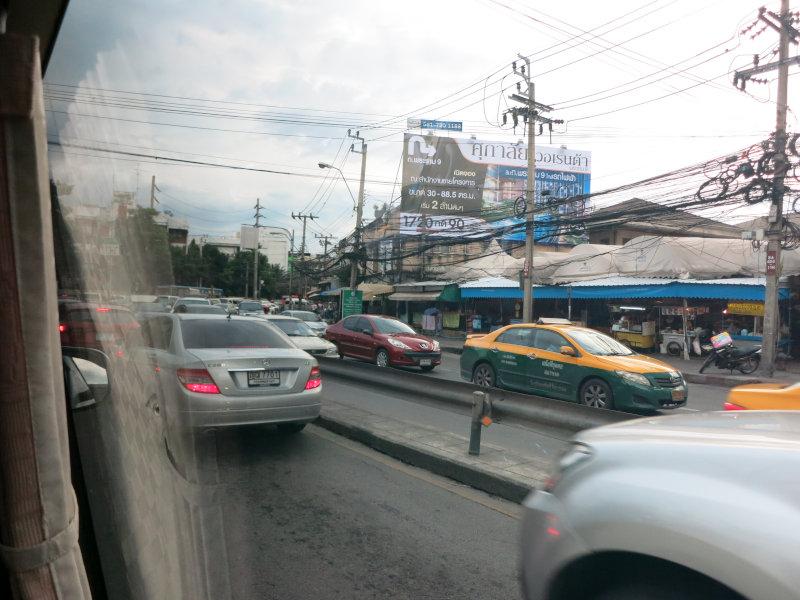 タイは車が多い